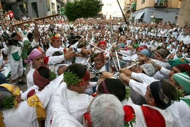 Los Danzantes de Huesca.