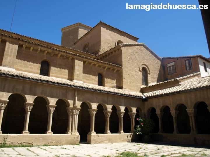 Claustro de San Pedro el Viejo.