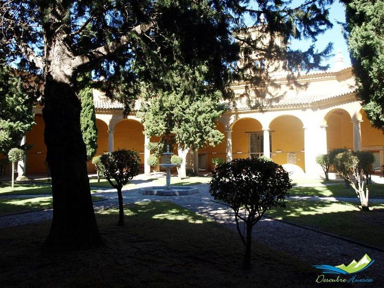 Patio Museo Arqueológico de Huesca