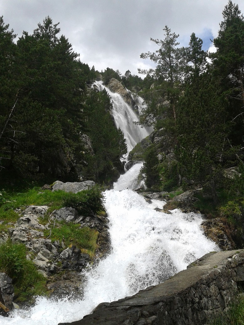 Cascada de Argualas. En el entono del Balneario de Panticosa. Foto: DescubreHuesca.com