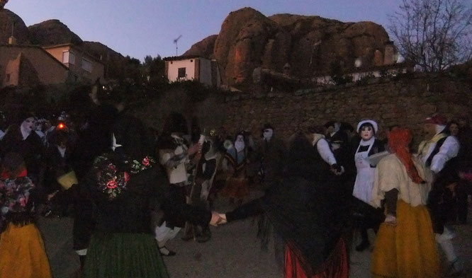 Fiesta d'as Mascaretas en Agüero