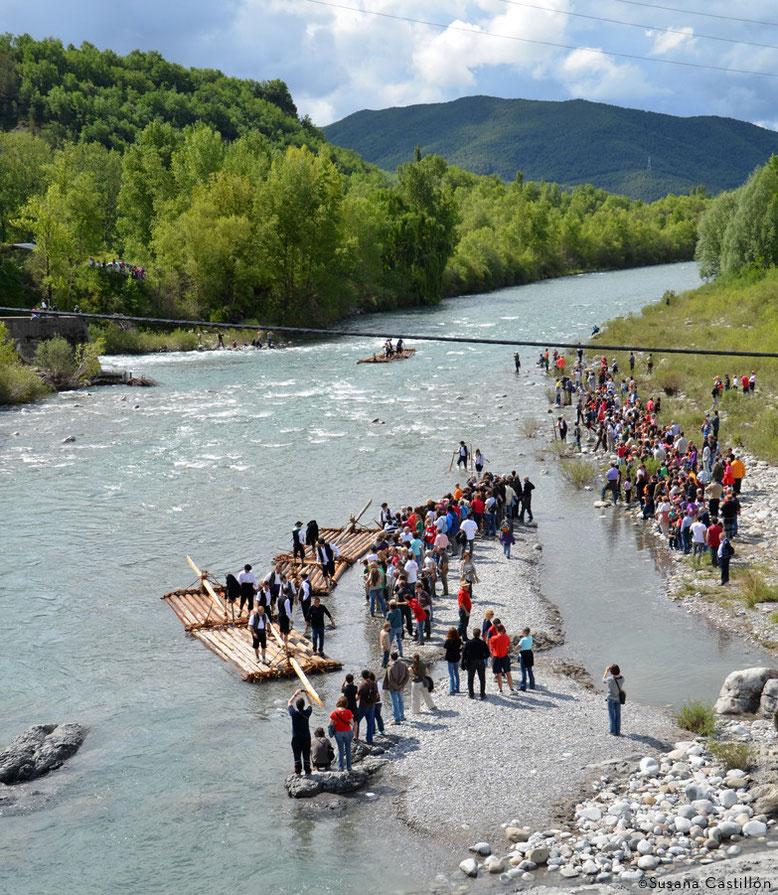 Descenso de nabatas por el río Cinca