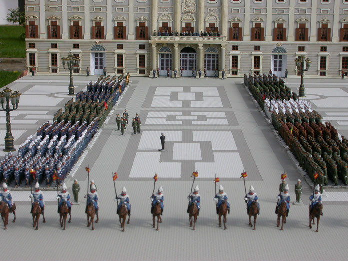 """Escenario """"Primera parada militar del Rey Juan Carlos I"""""""