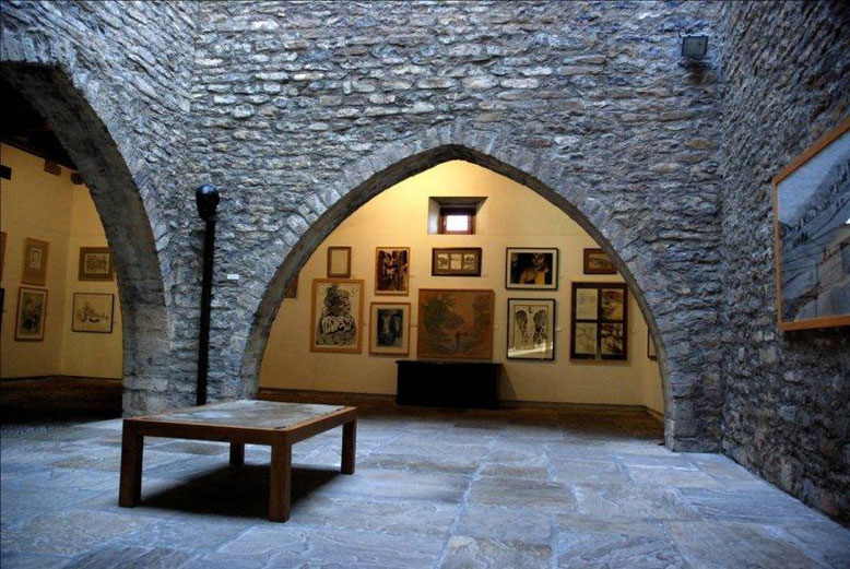 Museo de Dibujo Julio Gavín en el Castillo de Larrés