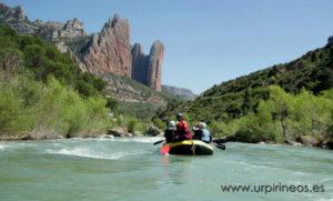Nuestro día de rafting en el Reino de los Mallos