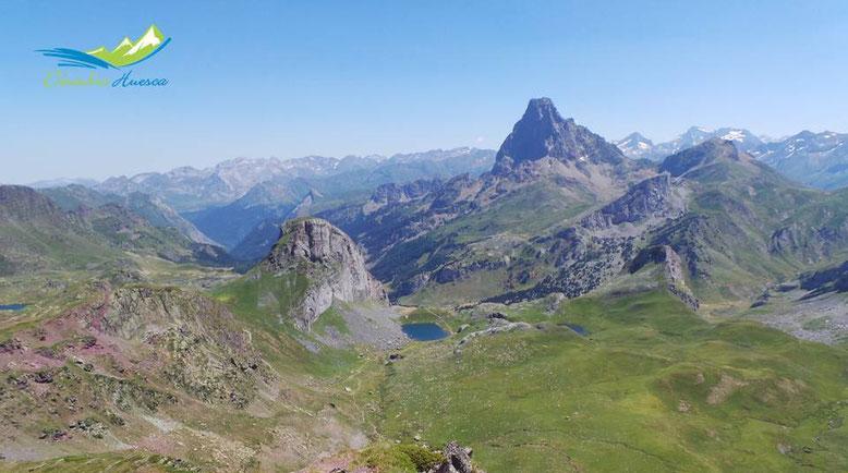 Vistas desde el Pico de los Mojes, lado francés. El Midi d´Ossau.
